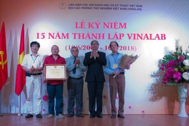 VinaLAB kỷ niệm 15 năm thành lập và đón nhận Bằng khen của Liên hiệp Hội