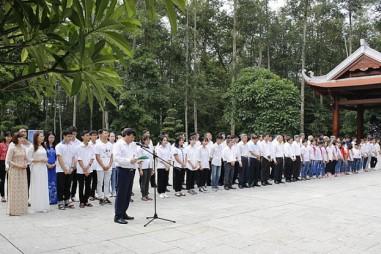 Công ty CP Supe Phốt phát và Hóa chất Lâm Thao tổ chức lễ Báo công dâng Bác