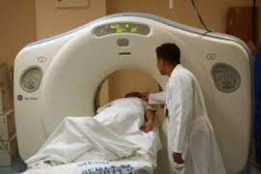 Các bác sĩ dùng chất phóng xạ để phát hiện tế bào ung thư như thế nào?