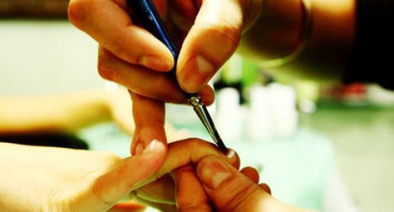 Hệ lụy sức khỏe trong các salon làm móng