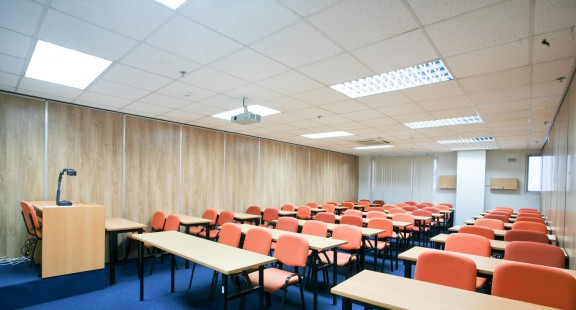 Thế nào là phòng học đảm bảo tiêu chuẩn chiếu sáng?
