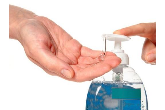 Dung dịch rửa tay khô có chứa cồn diệt vi rút hiệu quả như thế nào?