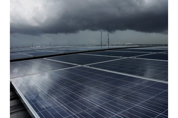 Sử dụng công nghệ chấm lượng tử, pin mặt trời có thể tạo ra điện năng ngay cả khi trời nhiều mây hay có mưa