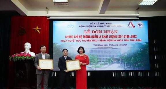 Văn phòng AOSC trao chứng chỉ ISO 15189:2012 cho Khoa huyết học - Bệnh viện Đa khoa tỉnh Thái Bình