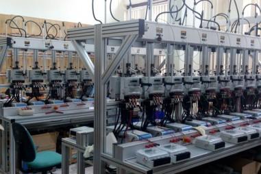 Kiểm chứng chất lượng 7 công tơ điện tại xã Thạch Khoán, Phú Thọ