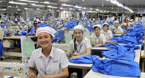 """""""Hộ chiếu thương mại"""" giúp hàng hóa xuất khẩu vượt rào kỹ thuật"""