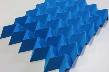 Siêu vật liệu Origami cho thấy khả năng hỗ trợ thuận nghịch kết hợp với khả năng phục hồi biến dạng