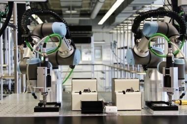 Sử dụng robot để kiểm soát chất lượng sản phẩm