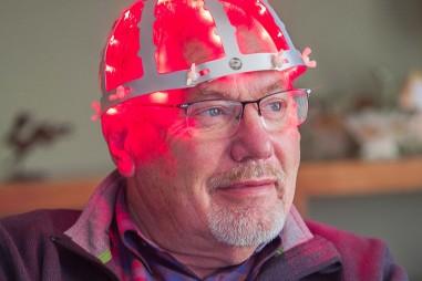 Liệu pháp ánh sáng, hy vọng mới cho bệnh nhân Parkinson