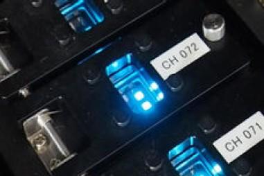 Màn hình OLED siêu huỳnh quang