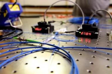 Các nhà nghiên cứu đạt viễn chuyển lượng tử với độ chính xác cao và bền vững