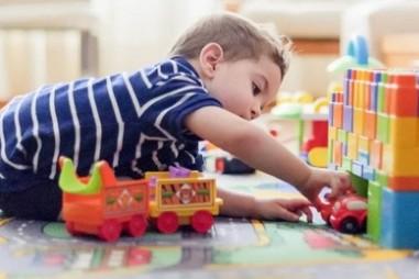 Phát hiện hơn 100 chất có thể gây hại cho trẻ em có trong đồ chơi nhựa