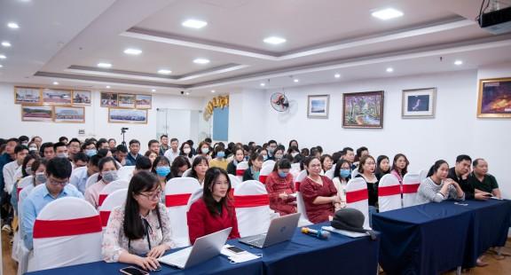 VinaCert tổ chức hội nghị lấy ý kiến cử tri nơi công tác với người ứng cử HĐND quận Hoàng Mai
