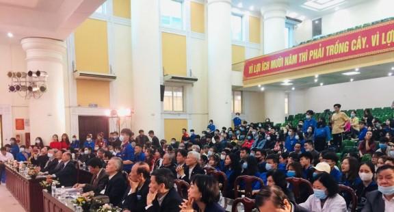 Lễ tuyên dương khen thưởng sinh viên đạt thành tích tại các cuộc thi Quốc gia và Khu vực 2019- 2020