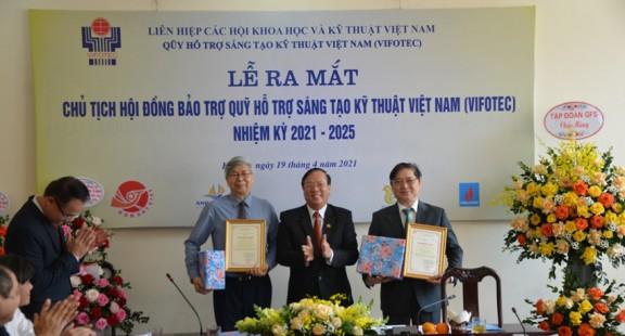 TSKH Phan Xuân Dũng được bầu làm Chủ tịch Qũy Vifotec