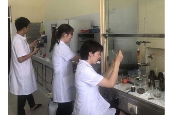 Việt Nam tổng hợp thành công thuốc điều trị COVID-19 bằng phương pháp mới