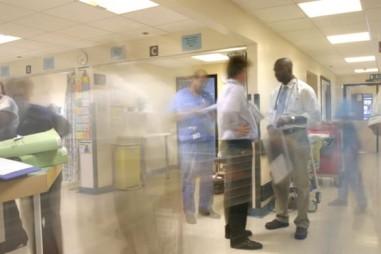 Vaccine cúm có thể làm giảm tác động nghiêm trọng của bệnh COVID-19