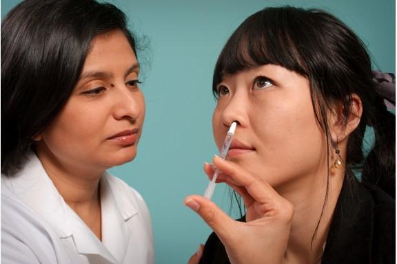 Làm giảm sự phát tán của coronavirus khi tiêm vaccine ngừa qua đường mũi