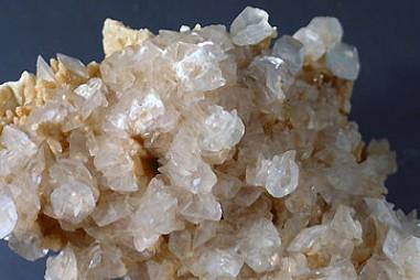Hoàn nguyên magie kim loại từ quặng dolomit Thanh Hoá bằng quy trình Pidgeo
