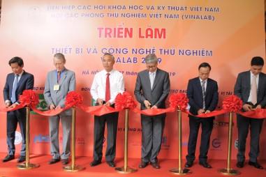 Lần đầu tiên triển lãm thiết bị và công nghệ thử nghiệm VinaLAB