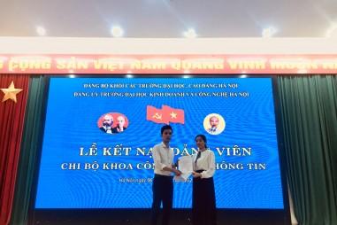 Lễ kết nạp Đảng viên của các Chi bộ phòng quản trị A, Phòng y tế và khoa Công nghệ thông tin trường Đại học Kinh doanh và Công nghệ Hà Nội