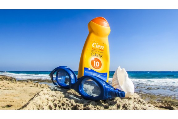 Phát hiện 78 sản phẩm kem chống nắng có sử dụng chất benzen