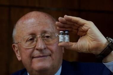 Nga thử nghiệm vaccine COVID-19 dạng xịt mũi cho trẻ em
