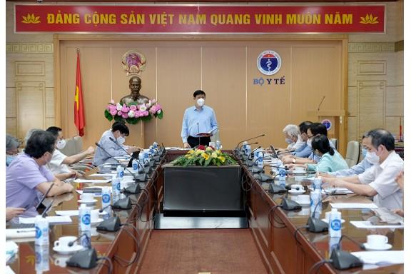Việt Nam chuẩn bị cho chiến lược phòng chống dịch năm 2022